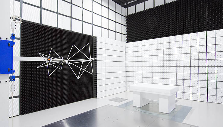 3m法電波暗室 室内